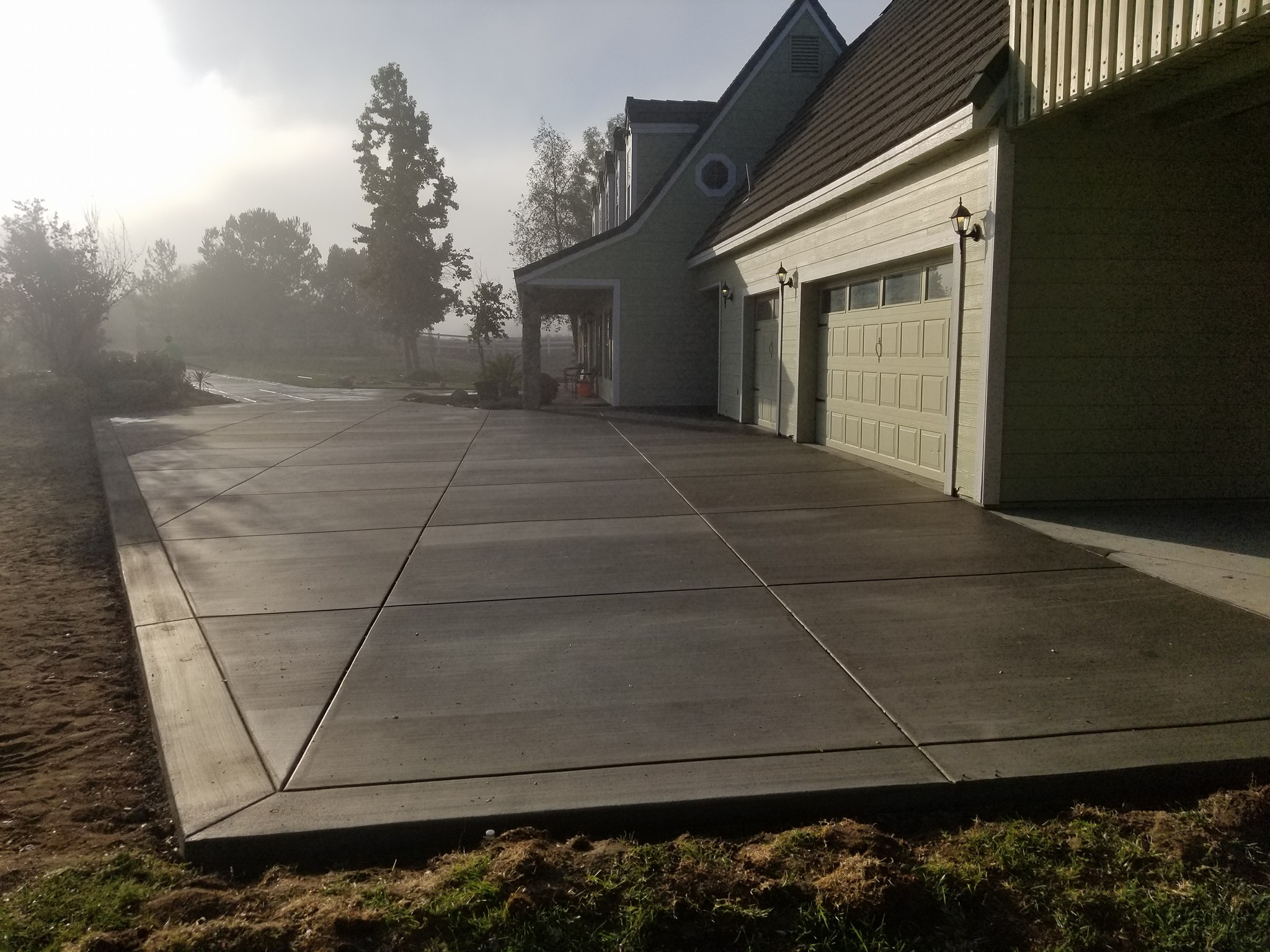 Freshly onstalled concrete driveway in the Roseville area
